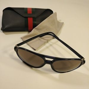 Gucci Aviator Sunglasses w/ Original Case & Cloth